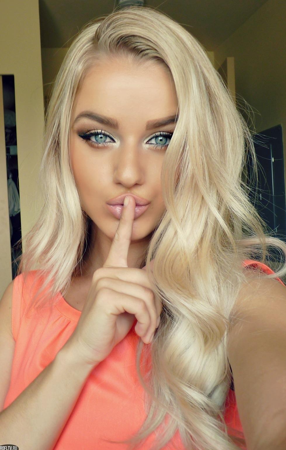 Красивый цвет волос для блондинок с голубыми глазами