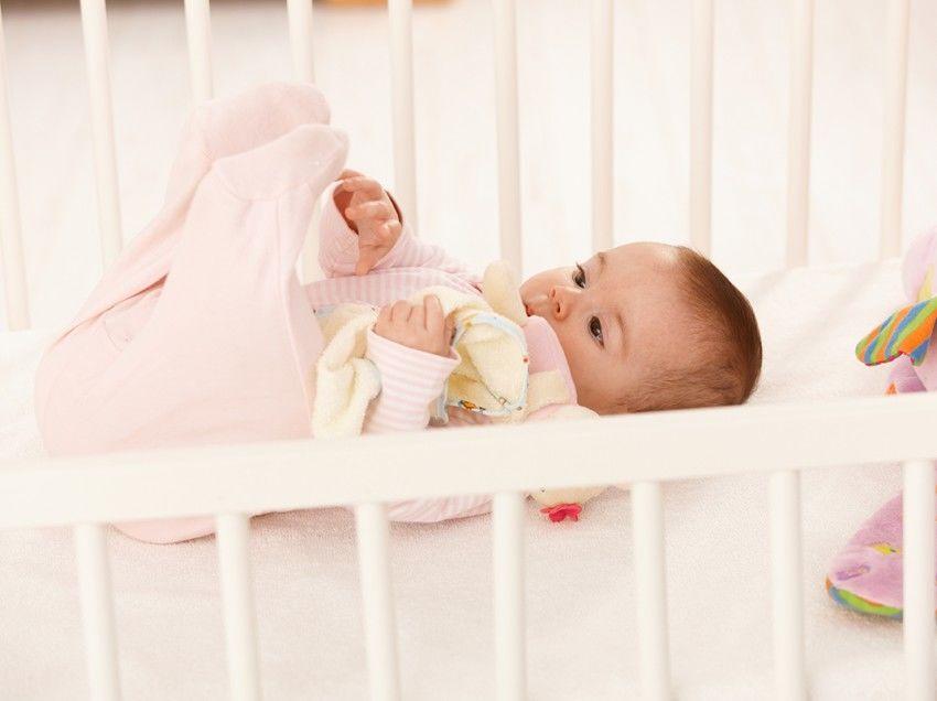 каталог новорожденный ребенок не спит в кроватке продажах