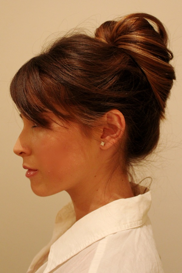 офисные прически на волосы средней длины