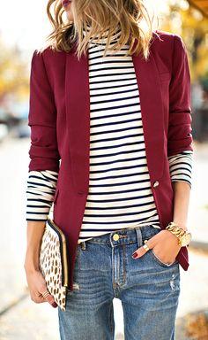 Пиджак цвета бордо