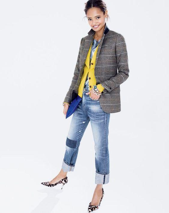 Многослойный яркий трикотаж тоже можно носить под пиджак