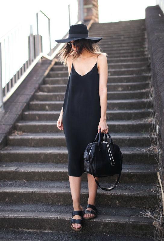 Удачный образ с платьем-комбинацией