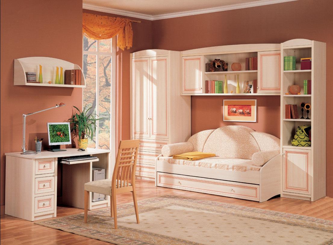 Цвет спелого персика освежит сдержанный интерьер