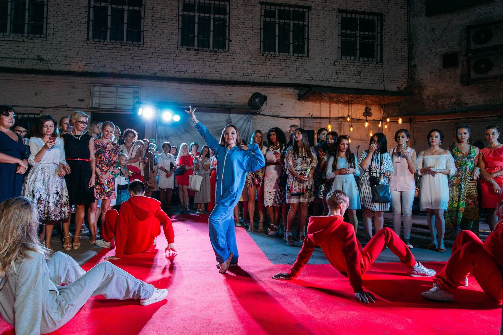 показ мод в самаре себе: Клин, Россия