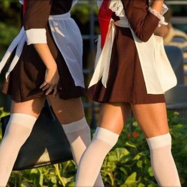 Сексуальные выпускницы в белых фартуках