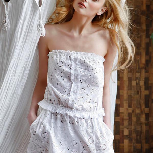 снится знакомая шьт белое платье