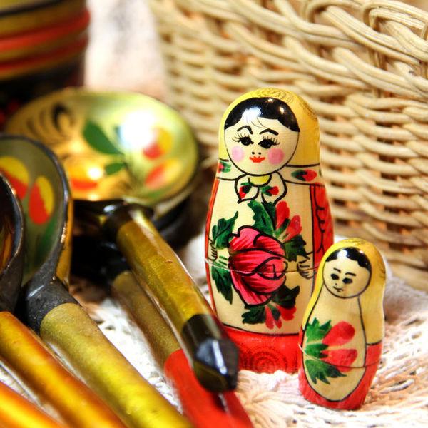 11 лучших идей сувениров из России – что привезти зарубежным друзьям в подарок