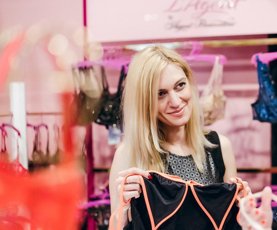 Юлия Минакова в салоне нижнего белья L'Аgent by Agent Provocateur