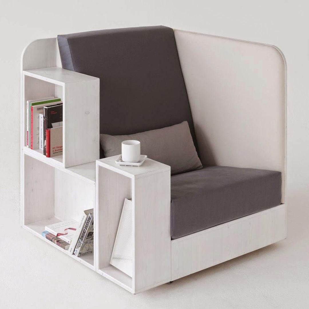 Кресло, в котором удобно и отдыхать, и читать, и пить чай. Жаль, массаж не делает...