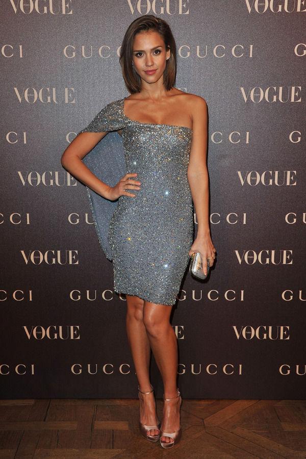 Сексуальное платье Gucci.